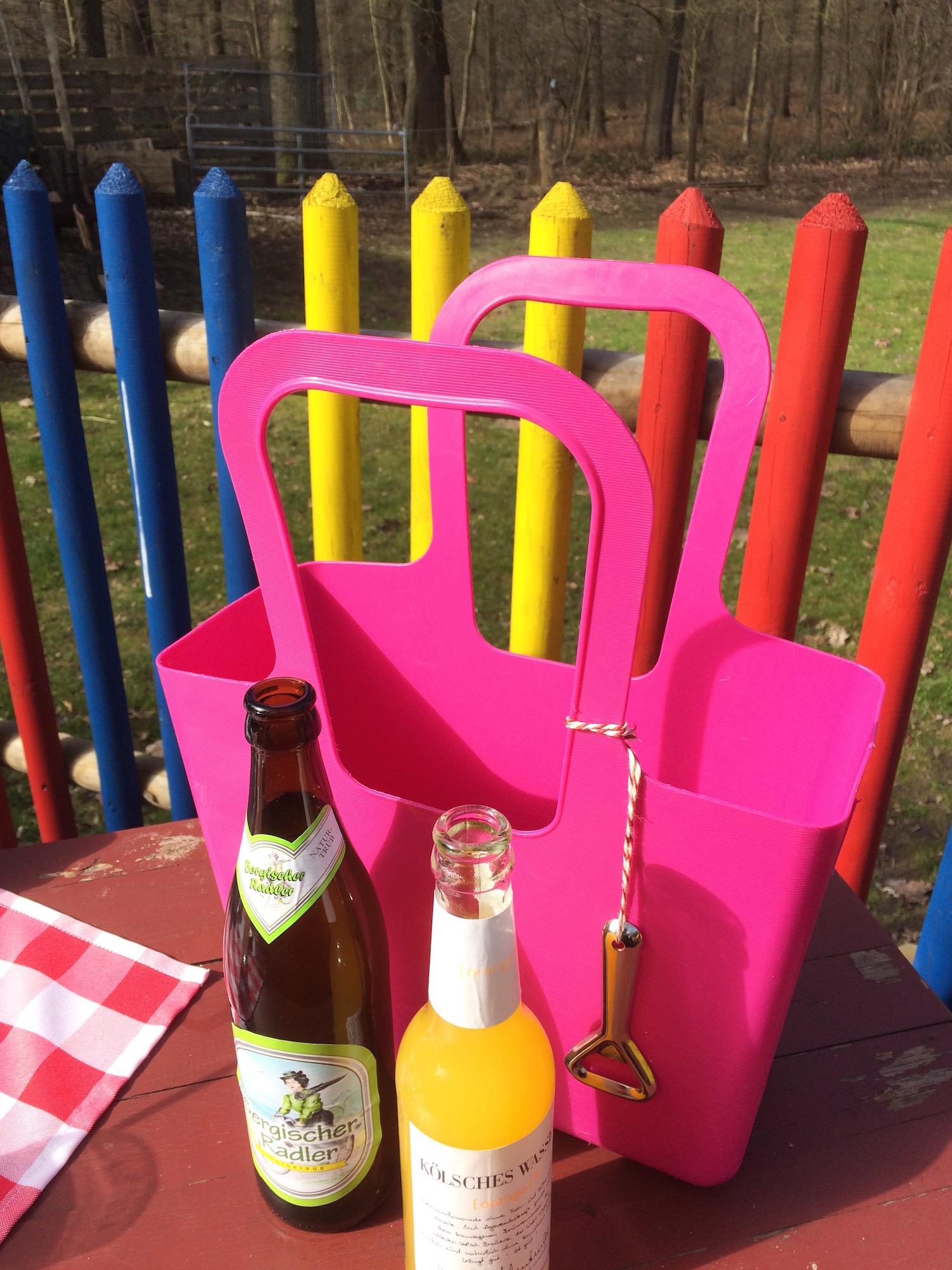 Selbstbedienung de Luxe - Getränke im Körbchen! - köln-fimmel
