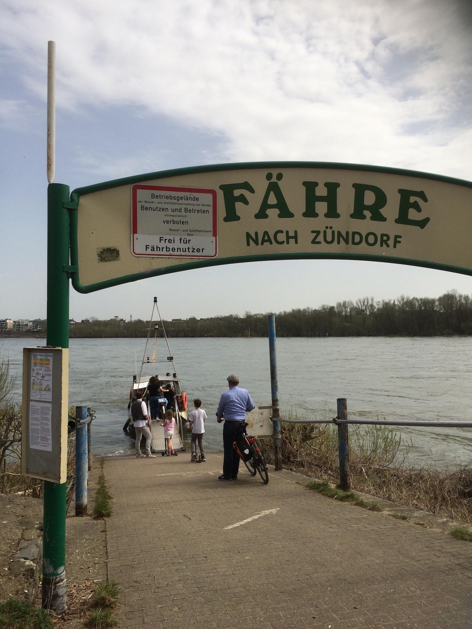 Mit der Krokolino über den Rhein