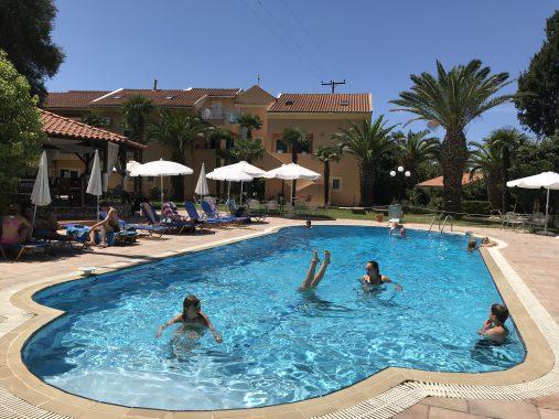 Pool vom Hotel Poseidon