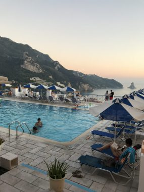 Pool vom Hotel Sofia
